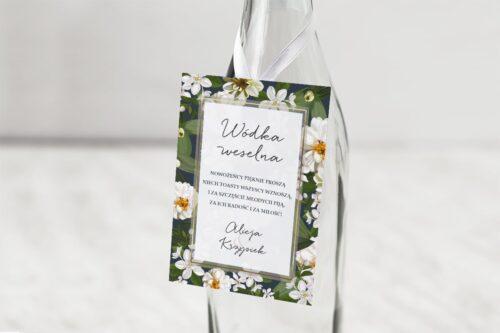 zawieszka na alkohol wzór białe kwiaty
