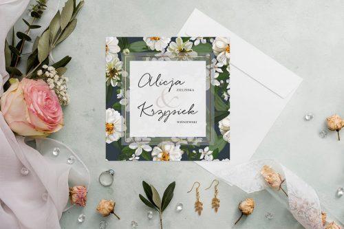 zaproszenie ślubne z granatowym tłem i białymi kwiatami