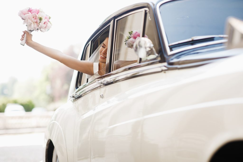 Najem pojazdu do ślubu i jego dekoracja – czy po odwołaniu ślubu musimy za to płacić?