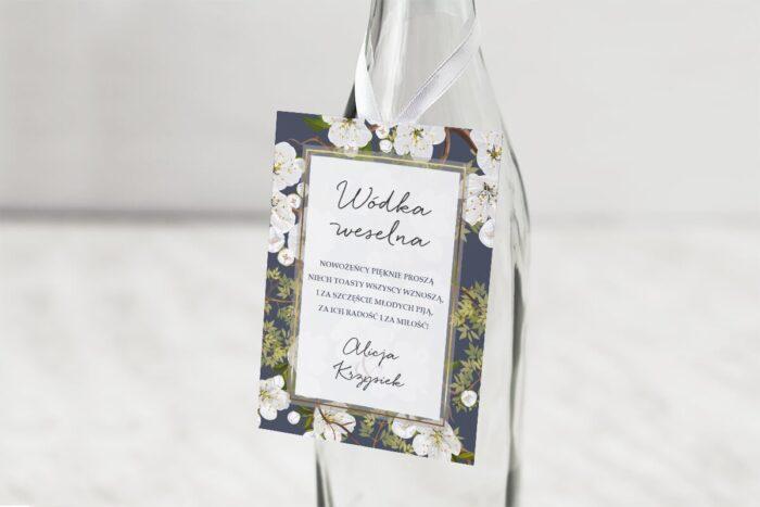 zawieszka-na-alkohol-do-zaproszen-slubnych-k4-kwiatowy-tyl-wzor-9-dodatki-zawieszka-papier-matowy