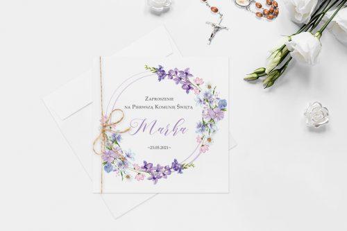 zaproszenie na komunie z wiankiem fioletowych kwiatów