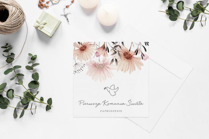 zaproszenia-na-komunie-kwadratowe-z-kwiatami-wzor-12-papier-matowy-koperta-k4-szara