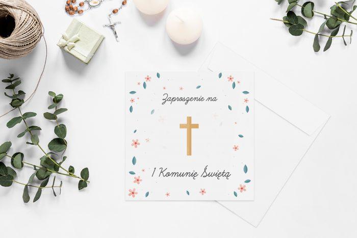 zaproszenia-na-komunie-kwadratowe-z-kwiatami-wzor-3-papier-matowy-koperta-k4-szara