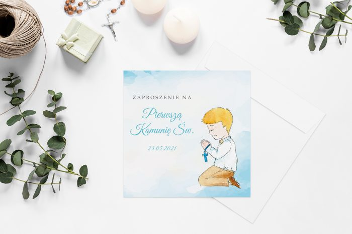 zaproszenia-na-komunie-kwadratowe-z-kwiatami-wzor-6-papier-matowy-koperta-k4-szara