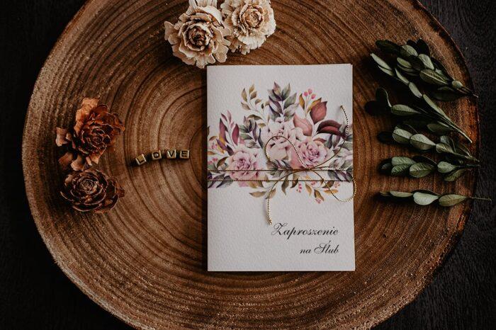 zaproszenia-na-slub-kwiatowe-galazki-wzor-11-papier-satynowany-dodatki-sznurek-zloty-metalizowany