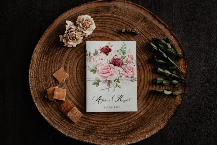 zaproszenie ślubne z bukietem róż