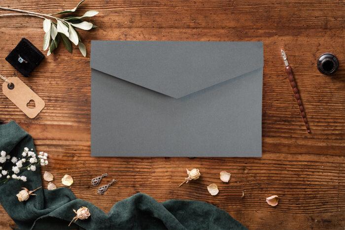 Zaproszenie-ze-zdjeciem-i-kalendarzem-w-kieszonce-wzor-gray