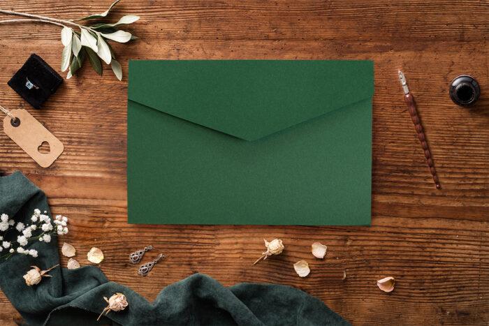 Zaproszenie-ze-zdjeciem-i-kalendarzem-w-kieszonce-wzor-green