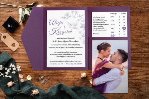 Zaproszenie-ze-zdjeciem-i-kalendarzem-w-kieszonce-wzor-violet-2