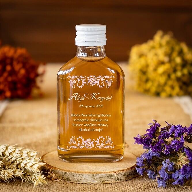buteleczka-100-ml-na-nalewke-ornament-z-kokardka-na-pasku-pudrowy-roz-wzor-4-buteleczka-100-ml