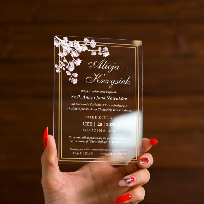 zaproszenie ślubne na pleksie z kwiatami