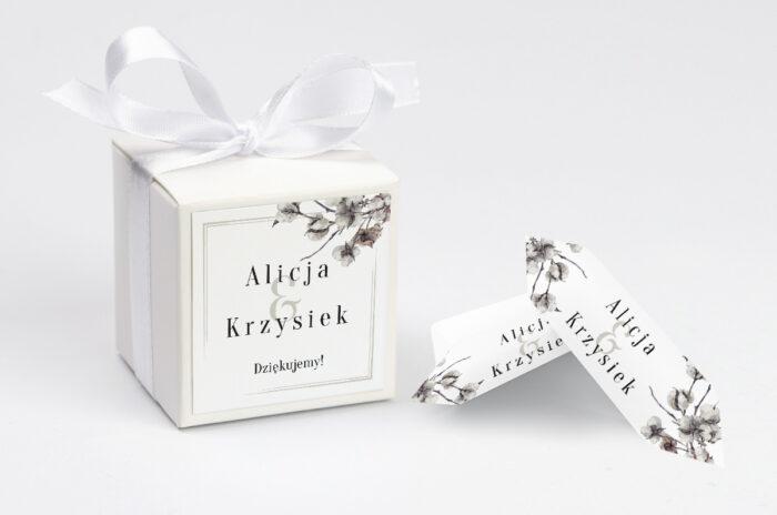 ozdobne-pudeleczko-z-personalizacja-jednokartkowe-recyklingowe-kwiaty-bawelny-kokardka--krowki-z-dwiema-krowkami-papier--pudelko-