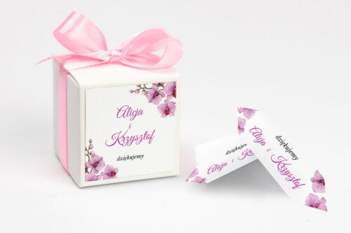 pudełko na krówki personalizowane w fioletowe storczyki