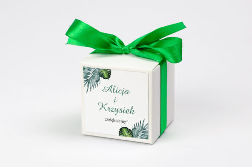 pudełeczko na krówki z personalizacją we wzorze liści eukaliptusa
