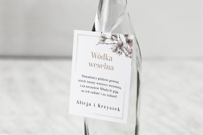 zawieszka-na-alkohol-do-zaproszenia-jednokartkowe-recyklingowe-kwiaty-bawelny-dodatki-zawieszka-papier-matowy
