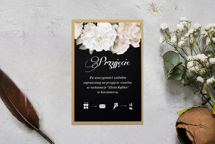 rsvp z podkładką i białymi kwiatami