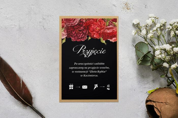dodatkowa karteczka z podkładką i czerwonymi kwiatami