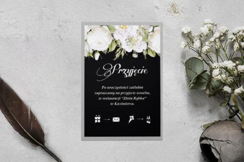 dodatkowa karteczka z podkładką i białymi kwiatami