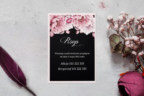 rsvp z podkładką i różowymi kwiatami