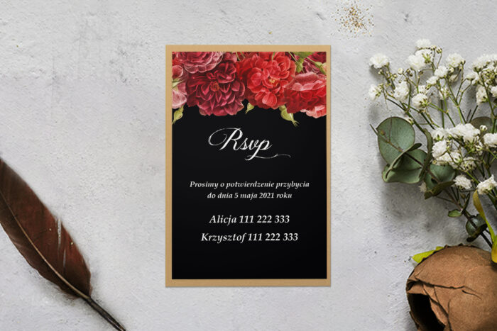 rsvp z podkładką i czerwonymi kwiatami