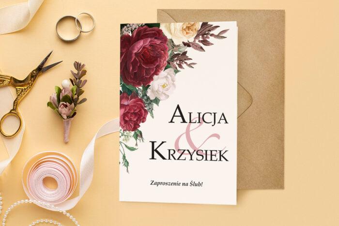 zaproszenie ślubne harmonijka z bukietem bordowych kwiatów