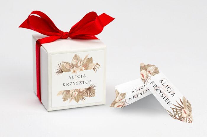 ozdobne-pudeleczko-z-personalizacja-jednokartkowe-z-kwiatami-wzor-14-kokardka--krowki-z-dwiema-krowkami-papier--pudelko-