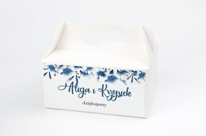 ozdobne-pudelko-na-ciasto-do-zaproszen-zdjeciekalendarz-w-folderze-niebieskie-kwiaty-papier-satynowany-pudelko-