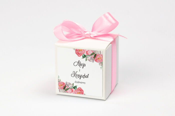 Ozdobne pudełeczko z personalizacją do zaproszenia ze zdjęciem i sznurkiem - Wianek z piwonii