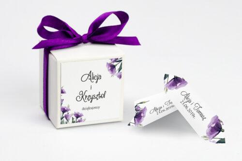 Ozdobne pudełeczko z personalizacją do zaproszenia ze zdjęciem i sznurkiem - Fioletowe Eustomy