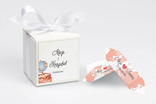 Ozdobne pudełeczko z personalizacją do zaproszenia ze zdjęciem i sznurkiem - Dookoła Świata
