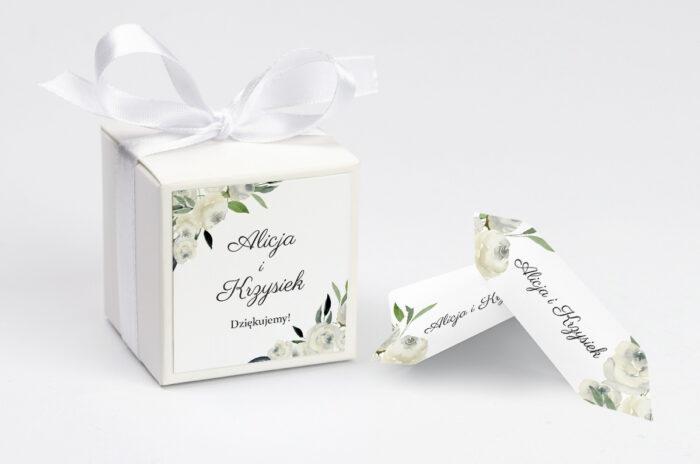 ozdobne-pudeleczko-z-personalizacja-zaproszenia-jednokartkowe-biale-kwiaty-kokardka--krowki-z-dwiema-krowkami-papier--pudelko-