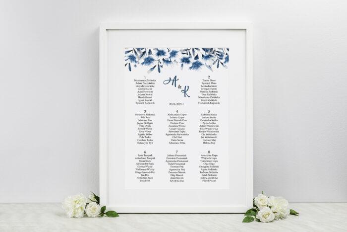plan-stolow-weselnych-zdjeciekalendarz-w-folderze-niebieskie-kwiaty-dodatki-ramka-papier-