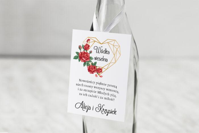 zawieszka-slubna-na-alkohol-czerwone-roze-papier-matowy-dodatki-zawieszka_jutowa