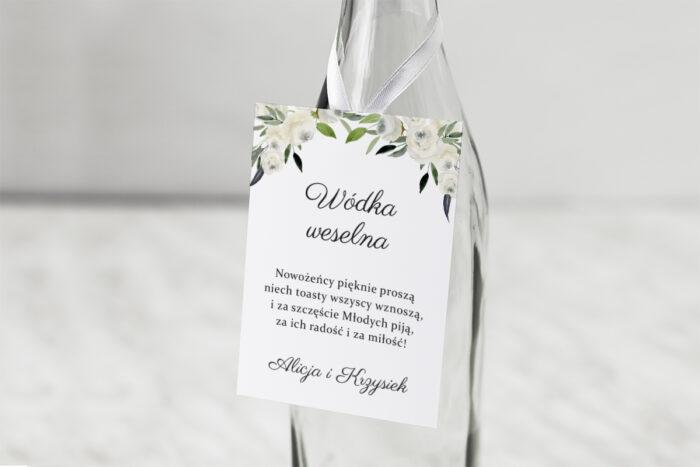 zawieszka-na-alkohol-do-zaproszenia-jednokartkowe-biale-kwiaty-dodatki-zawieszka-papier-matowy
