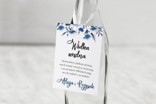 Zawieszka na alkohol do zaproszeń Zdjęcie&Kalendarz w folderze – Niebieskie kwiaty