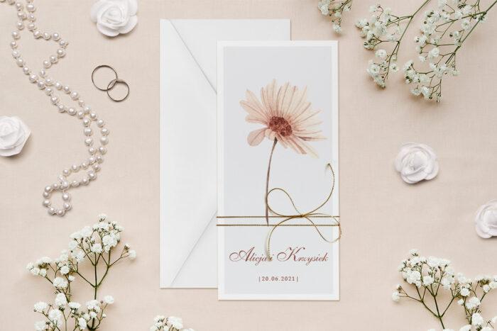 zaproszenie-slubne-minimalistyczne-z-kwiatem-nagietek-papier--dodatki--koperta-bez-koperty