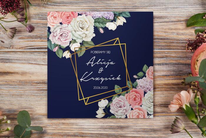 eleganckie-zaproszenie-slubne-kontrastowe-z-kwiatami-pastelowy-bukiet-papier-matowy-koperta-bez-koperty