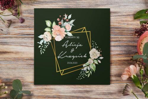 zaproszenie ślubne z jasnymi kwiatkami na zielonym tle