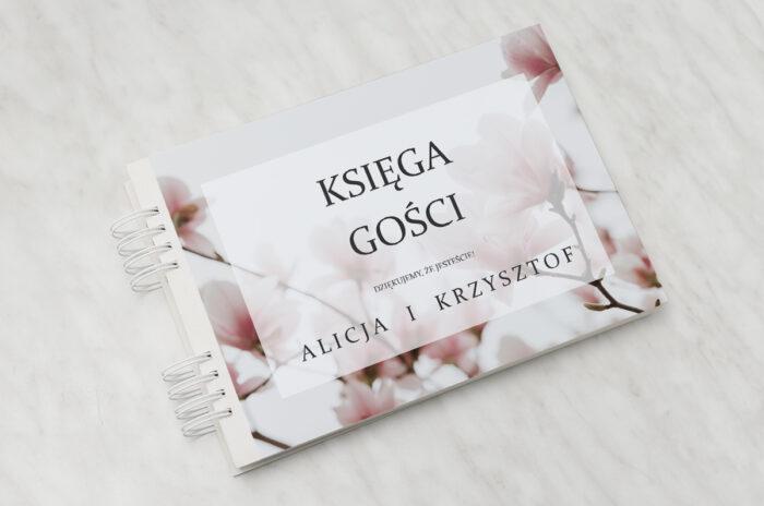 ksiega-gosci-slubnych-do-zaproszenia-fotograficzne-kwiaty-subtelna-magnolia-papier-matowy-dodatki-ksiega-gosci