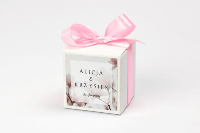 Pudełeczko na krówki z personalizacją - Fotograficzne Kwiaty - Subtelna Magnolia