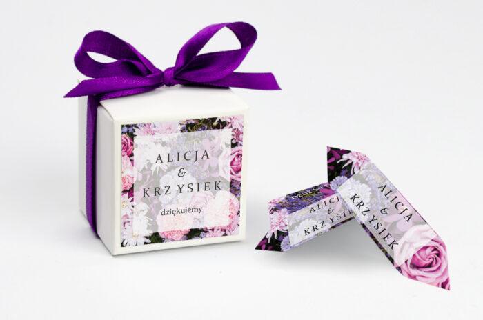 ozdobne-pudeleczko-z-personalizacja-fotograficzne-kwiaty-rozowo-fioletowy-bukiet-kokardka--krowki-z-dwiema-krowkami-papier--pudelko-