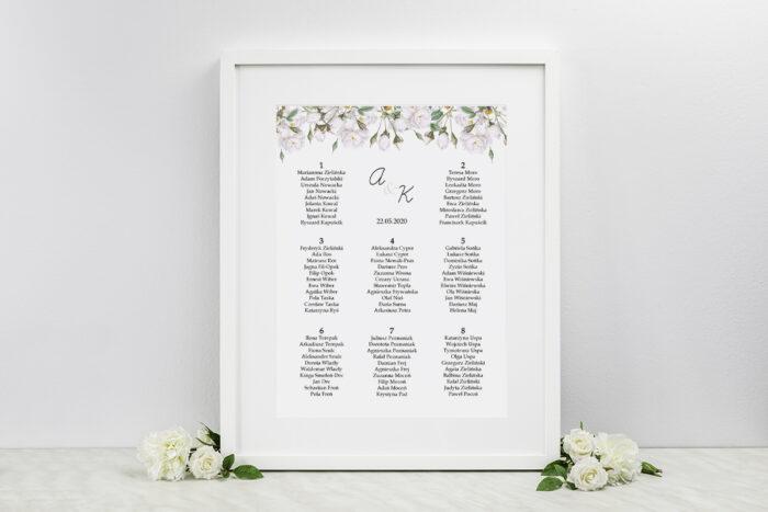 plan-stolow-weselnych-do-zaproszenia-kwiaty-vintage-biale-roze-dodatki-ramka-papier-satynowany