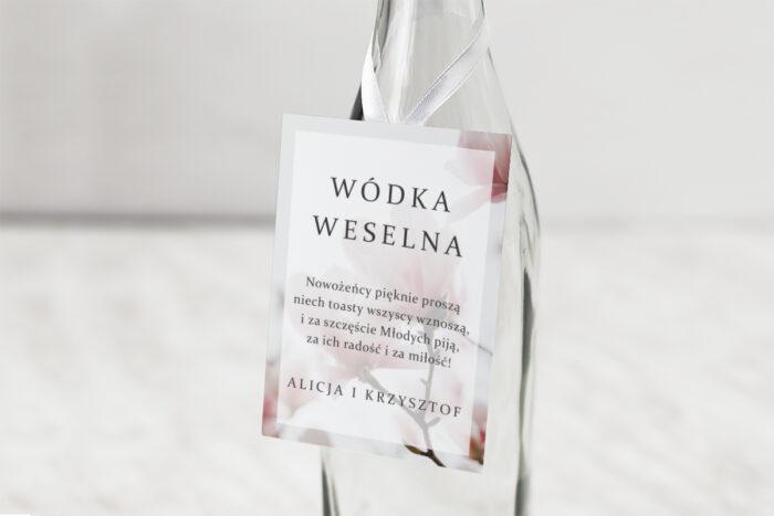 zawieszka-na-alkohol-do-zaproszen-fotograficzne-kwiaty-subtelna-magnolia-dodatki-zawieszka-papier-matowy