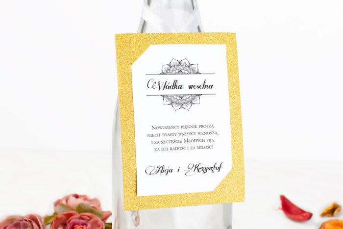 zawieszka-na-alkohol-z-podkladka-do-zaproszenia-brokatowego-ornamentowa-rozeta-dodatki-zawieszka-papier-matowy-podkladki-