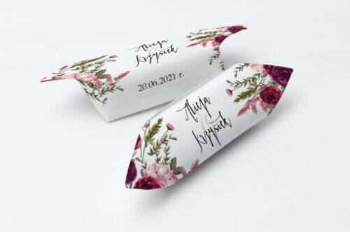 Krówki ślubne 1 kg do zaproszenia Akwarelowe Bukiety – Burgundowe róże na jasnym tle