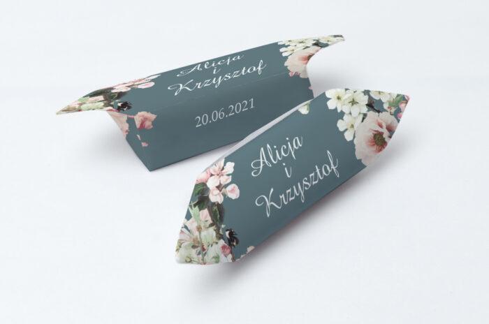 krowki-slubne-1-kg-duze-inicjaly-kwiaty-wisni-papier-papier60g