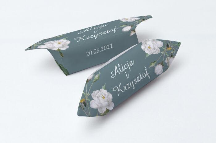 krowki-slubne-1-kg-duze-inicjaly-biale-roze-papier-papier60g