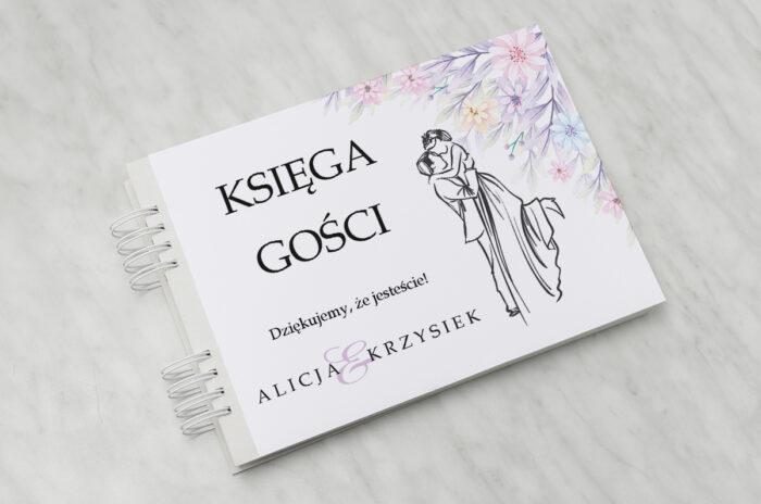 ksiega-gosci-slubnych-z-para-mloda-w-objeciach-papier-matowy-dodatki-ksiega-gosci