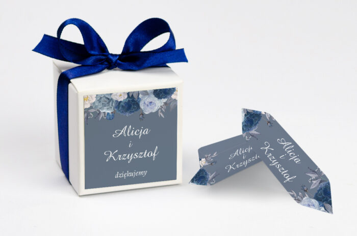 pudełeczko na krówki ślubne niebieskie kwiaty