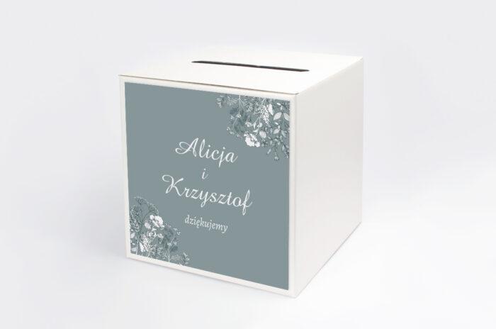 personalizowane-pudelko-na-koperty-duze-inicjaly-kwiatuszki-polne-papier-satynowany-pudelko-